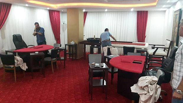 Adana'da hukuk bürosuna kumarhane baskını