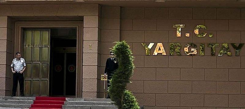 Otel kat görevlisinin müşterilerden kalan yiyecekleri  alması -Haklı fesih sebebi HGK kararı