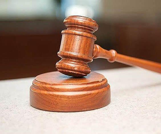 Asıla vekillikten çekilme dilekçesi tebliğ edilmeden yeni  duruşma gününün bildirilmesi hükümsüzdür