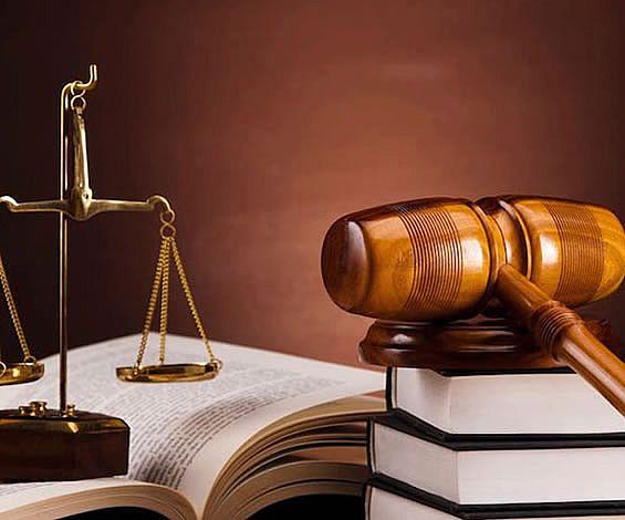 başından beri dava konusu edilmeyen bir şeyin ıslah yoluyla davaya ithaline ve dava konusu edilmesine yasal açıdan olanak bulunmamaktadır